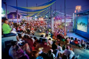 Dockside_screening-under-stars-penns-landing