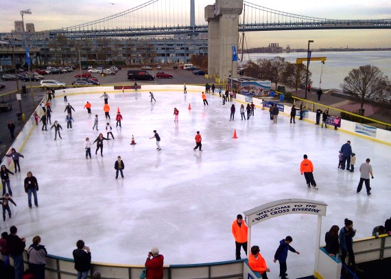 Dockside_Ice-Skating-in-Philadelphia-at-Blue-Cross-River-Rink-at-Penns-Landing-lower-6