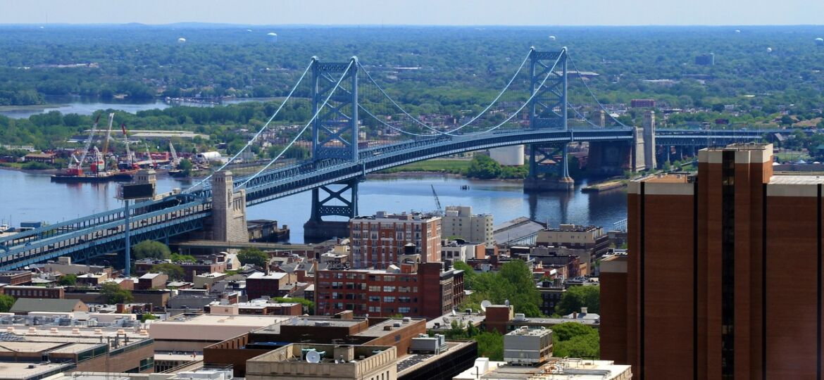The Ben Franklin Bridge crossing over the Delaware River between Philadelphia, Pennsylvania and Camden, New Jersey.