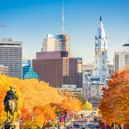 Philadelphia, Pennsylvania, USA in autumn overlooking Benjamin Franklin Parkway.